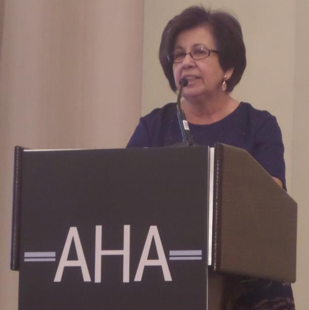 Vicki Ruiz giving AHA Presidential Address